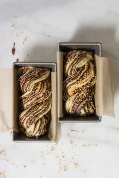 Chocolate Hazelnut Babka - fluffy brioche dough is rolled out and spread with a homemade hazelnut ch Brunch Recipes, Sweet Recipes, Dessert Recipes, Breakfast Recipes, Chocolate Babka, Chocolate Spread, Babka Recipe, Croissants, Sweet Bread