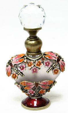 Heart Anniversary Perfume Bottle of Blown Glass Crystal Perfume Atomizer, Antique Perfume Bottles, Vintage Bottles, Parfum Mademoiselle, Perfumes Vintage, Perfume Diesel, Beautiful Perfume, Glass Bottles, Glass Vase