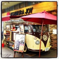 cafe vw van in Japan  @Tatiana Hall this would be cool for your juice truck