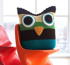 Soft Owl Pillow: E-Pattern from Little Crochet (Potter Craft ePatterns) Crochet Owl Pillows, Crochet Owls, Crochet Home, Crochet Animals, Knit Crochet, Crochet Patterns, Crotchet, Knitting Patterns, Knitting Projects