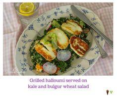 Grilled halloumi served on kale and bulgur wheat salad Grilled Halloumi, Avocado Egg, Kale, Vegetarian Recipes, Grilling, Dishes, Breakfast, Food, Bulgur