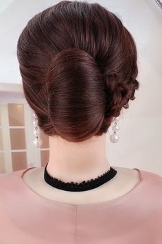Elegant hairstyles styles for wedding down hairstyles indian videos Elegant hairstyles Simple Elegant Hairstyles, Simple Wedding Hairstyles, Undercut Hairstyles Women, Easy Hairstyles, Hairstyle Ideas, Funky Hairstyles For Long Hair, Flower Girl Hairstyles, Hair Up Styles, Hair Videos