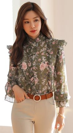 Korean Women`s Fashion Shopping Mall, Styleonme. Stylish Work Outfits, Stylish Dresses For Girls, Cute Casual Outfits, Frock Fashion, Fashion Outfits, Look Formal, Long Sleeve Evening Dresses, Dress Indian Style, Blouse Designs