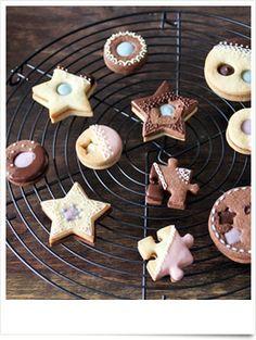 バレンタインに親子で作れるレシピ♡チョコサンドクッキー