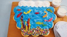 Make a colorful family of fish by baking these beautiful cupcakes made using Betty Crocker™ SuperMoist™ cake mix, frosting and Fruit Roll-Ups™ fruit snack – a wonderful dessert.