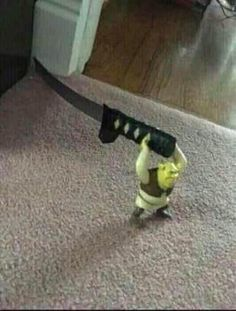 Mess with Shrek, you get hurt as heck Memes Shrek, Memes Estúpidos, Stupid Funny Memes, Haha Funny, Hilarious, Reaction Pictures, Funny Pictures, Disney T-shirts, Memes Lindos