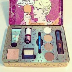 ☆♡☆ I got this one for xmas- it'd amazing Chanel lipstick Giveaway Benefit Makeup, Mac Makeup, Benefit Cosmetics, Love Makeup, Makeup Cosmetics, Makeup Set, Makeup Ideas, Makeup Brands, Best Makeup Products