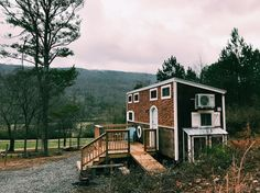 Check out Chattanooga – and a Tennessee Tiny Homes build – in the Old Blue Chair – Tiny House for Us