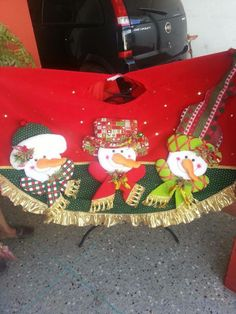 pie de arbol Xmas Tree Skirts, Christmas Humor, Snowman, Merry, Christmas Ornaments, Holiday, Projects, Towels, Decor