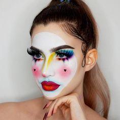 Make Up - Pretty Halloween Makeup Ideas: Mermaid, Glitter, Gems & Sparkle Sfx Makeup, Costume Makeup, Face Makeup Art, Glam Makeup, Fancy Dress Makeup, Pop Art Costume, Glitter Makeup, Face Art, Crazy Makeup
