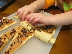 Peanut Butter Chocolate Chip Crescents - easy enough to get the kids to help me.