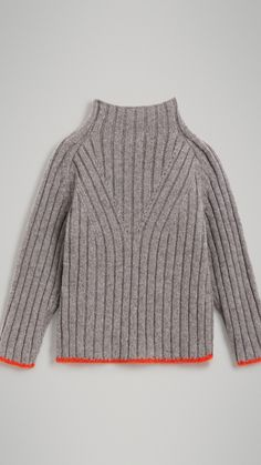 Children& clothing store Burberry® (USA) Turtleneck sweater in merino wool (medium gray) – girls Knitwear Fashion, Knit Fashion, Women's Fashion, Knitting Designs, Knitting Patterns, Plus Size Pullover, Oversized Pullover, Sweater Weather, Hand Knitting