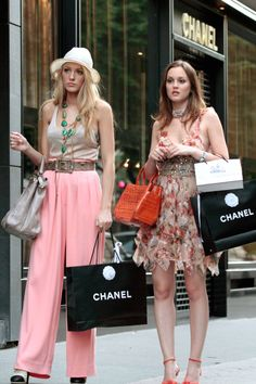 Summer inspiration outfits, Blair Waldorf and Serena van der Woodsen, Gossip Girl.