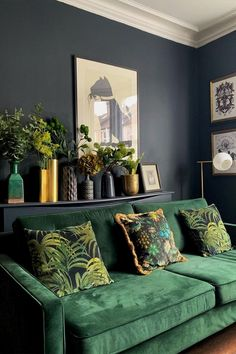 Palmeral large velvet cushion midnight green credit houselust via 34 most popular small modern living room design ideas for 2019 Living Room Green, Green Rooms, Home And Living, Colourful Living Room, Small Living, Dark Walls Living Room, Dark Rooms, Living Room Designs, Living Spaces
