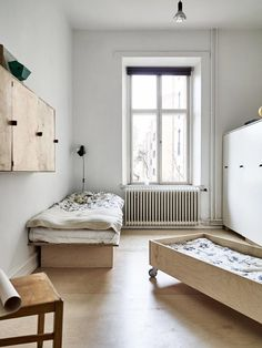 Soft Minimalism with Custom Made Plywood Furniture (Ems Designblogg)