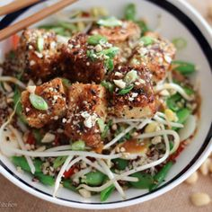Healthy Chinese food ideas and New Years Eve food ideas for vegan Crispy Tofu with Sweet and Sour Orange Sauce to ring in the new year. Healthy Chinese Recipes, Healthy Low Carb Recipes, Healthy Eating Tips, Asian Recipes, Ethnic Recipes, Meatless Recipes, Asian Foods, Orange Sauce Recipe, Sour Orange