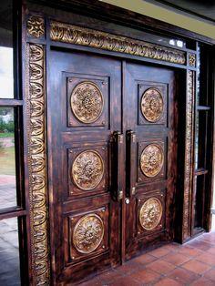 Ideas rustic front door entryway entrance for 2019 Front Door Design Wood, Double Door Design, Door Gate Design, Modern Front Door, Wooden Door Design, Wooden Doors, Front Door Entryway, Main Entrance Door, Pooja Room Door Design