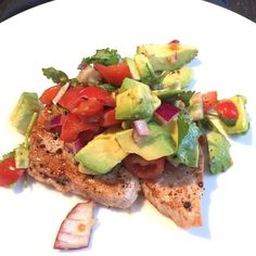 My low carb, fatty snack of tuna steak cooked in Lucy Bee Coconut oil with avocado, tomatoes, fresh basil and extra virgin olive oil. That's how you get #LeanIn15