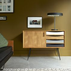 Buffet in teak 150 cm - Mobile per la sala da pranzo - Tikamoon Solid Wood Sideboard, Mid Century Sideboard, Retro Sideboard, Small Furniture, Solid Wood Furniture, Home Furniture, Furniture Design, Side Board, Ideas