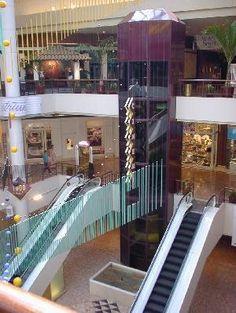 St. Louis Galleria (The Mother Ship - haha) / http://www.saintlouisgalleria.com/