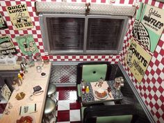 diner - love the checkered wall and retro signs 50s Diner Kitchen, Retro Diner, Cafe 50s, 50s Decor, American Diner, Good Ole, Cafe Restaurant, Miniture Things, Play Houses