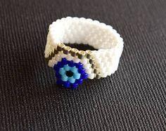 Flor ojo malvado de cuentas anillo de color blanco y azul hecho a mano abalorios Peyote anillo mal de ojo / flor anillo