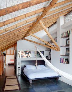 Dormitorio con bambú. Al bambú se le llama el acero vegetal por su gran flexibilidad y su alta resistencia.