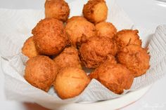 Oi Gente!! Here is another Brazilian childhood favorite, bolinhos de chuva (rain balls if you are to translate this literally), and they are exactly what they look like, fried dough *sips on coffee…