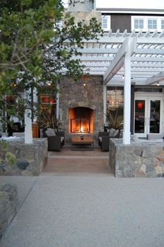 Another outdoor lounge. So pretty.