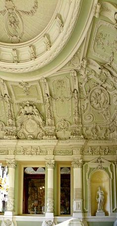 Russia Travel Inspiration - Youssoupov palace on the Moika, St.Detail of the grand staircase hall ceiling by Monghetti circa 1860 Palace Interior, Interior And Exterior, Interior Design, Beautiful Architecture, Architecture Details, Monuments, Russia Ukraine, St Petersburg Russia, Voyage Europe