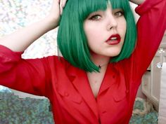 green hair.... probably not something i could pull off.