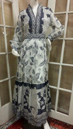 Vintage Avalon Classics White & Navy Floral & Geometric Print Full Maxi Dress