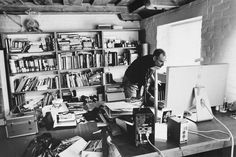 Steve in his home office in December 2004, the last time photographer Diana Walker photographed him.