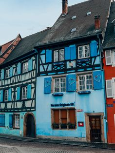 Un week-end à #Colmar en #Alsace. Blog Voyage, Alsace, Week End, Trips, Mansions, House Styles, Travel, Baby Dachshund, Small Terrace