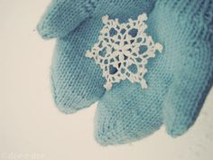 I have these beautiful little snowflakes that glisten that I sprinkle around my house during the holidays into the winter mos. I LOVE them because they catch the light sparkle. They make me smile. Blue Christmas, Christmas Time, Crochet Christmas, Cottage Christmas, Christmas Snowflakes, Christmas Carol, Christmas Ideas, Christmas Ornaments, Mei Ling Zhou