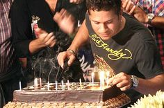 Wishing the #GodOfCricket best wishes for the big day from @FlowerznCakez. #HappyBirthdaySachin, may you break the longetivity record too http://www.flowerzncakez.com/products/cakes.htm
