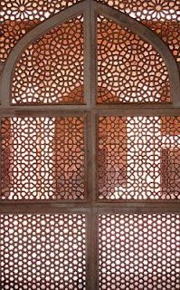 lattice window Islamic World, Islamic Art, Architectural Pattern, African Fabric, Arabesque, Own Home, Windows And Doors, Art And Architecture, Furniture Ideas