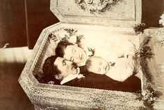"""Mirrors With Memories"": Why Did Victorians Take Pictures of Dead People?"