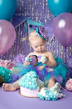 Caralee Case Photography ~ Idaho Falls, ID Baby Child and Birthday Photographer  one year cake smash  first birthday  balloons  birthday pictures