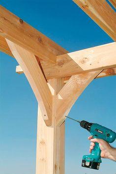 Holz Pergola bauen balken einzelne teile zusammen