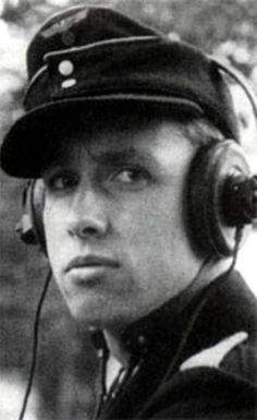 Richard Freiherr von Rosen Geboren am 28. Juni 1922. Richard Freiherr von Rosen war ein deutscher Offizier der Wehrmacht (zuletzt im Rang eines Oberleutnants), der neugegründeten Bundeswehr (zuletzt als Generalmajor) und Buchautor.