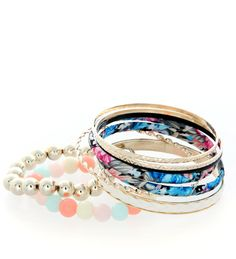 This bracelet set will instantly make any outfit pop. Perfect for a day out or to a party.