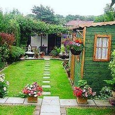 7 tips so that our garden not only has weeds Garden Cottage, Home And Garden, Outdoor Living, Outdoor Decor, House Layouts, Tropical Houses, Balcony Garden, Simple House, Dream Garden