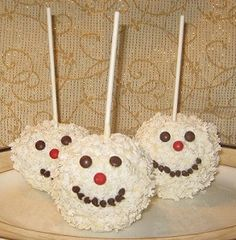 How to Make Snowman Candy Apples