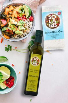 Adaugă savoare în fiecare preparat cu produsele 𝐒𝐨𝐥𝐚𝐫𝐢𝐬 🌞! Fie că vrei să gătești de post, sau îți dorești să te alimentezi cât mai sănătos, ai numeroase variante pentru ca fiecare rețetă pe care o pregătești să fie un adevărat succes! Descoperă-le și tu iar până pe 31.03 (ora 23:59) ai 𝟐𝟎% 𝐑𝐄𝐃𝐔𝐂𝐄𝐑𝐄 la o întreagă selecție💗. Cobb Salad, Gluten, Food, Essen, Meals, Yemek, Eten