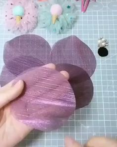 How to make a hair clip Diy Lace Ribbon Flowers, Paper Flowers Diy, Flower Crafts, Making Fabric Flowers, Fabric Flowers Handmade, Crocheted Flowers, Lace Bows, Flower Making, Fabric Flower Tutorial