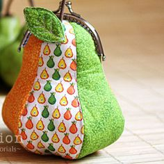 27 Patterns to Sew Purses + 6 New Coin Purses | AllFreeSewing.com Read more at http://www.allfreesewing.com/Bags-and-Purses/12-Patterns-to-Sew-Purses#dqRWiQdT4vbpPQ5w.99