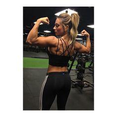 This babe  @paigehathaway #myidol #loveher #idol #paigehathaway #goals #fitchick #kristy_vinci #motivation #bodygoals #fitnessjourney #dreambodyinprogress by kristy_vinci