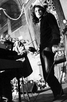 Jim Morrison                                                                                                                                                                                 Mais