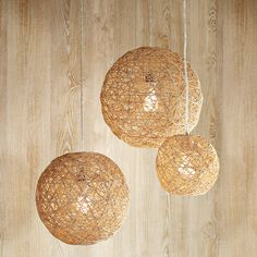 Hemp Twine Ball Lamp #DIY http://www.handimania.com/diy/hemp-twine-ball-lamp.html